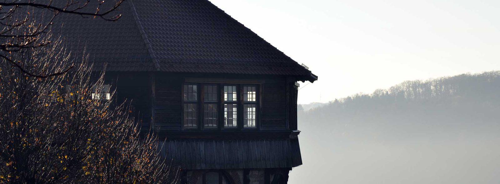 Dicker Turm Fenster