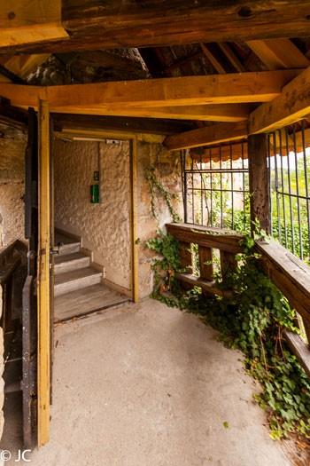 DIcker Turm Ausgang Burgtreppe