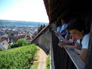 Auch die Burgstaffel war vollbesetzt mit Zuschauern