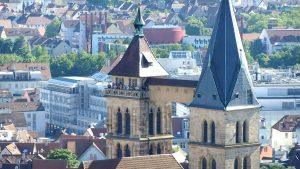 Auf dem Südturm der Stadtkirche spielte der CVJM Posaunenchor