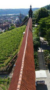 Blick vom Dicken Turm über den Seilergang zur Hochwacht mit Ihrem Glockenturm